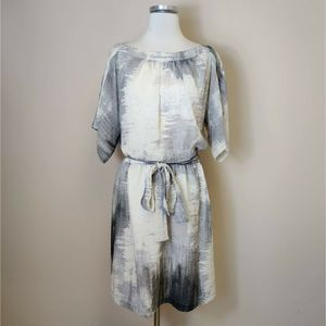 Maggy London Tie Waist Gray Ivory Abstract Dress